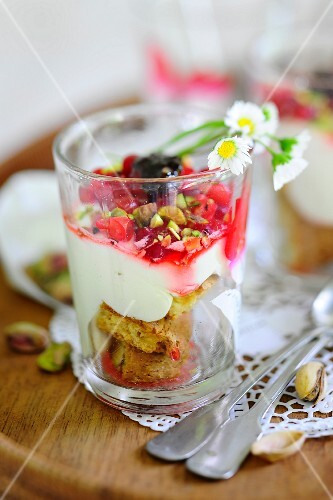 A redcurrant dessert with pistachios