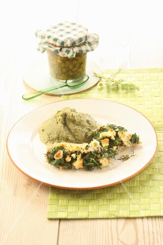 Green mashed potatoes with goatweed and ground ivy