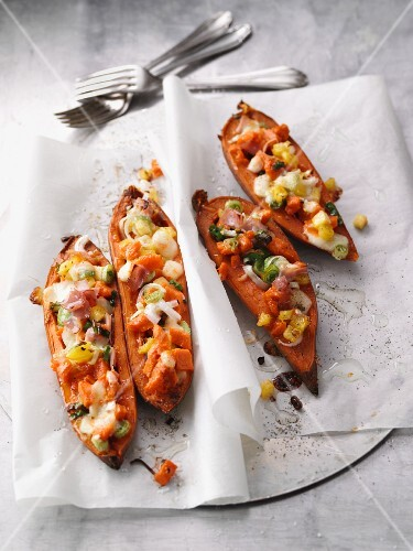 Sweet potatoes filled with pineapple, ham and mozzarella