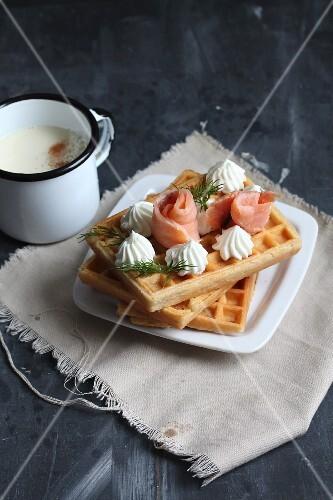 Spicy waffles with smoked salmon and horseradish cream