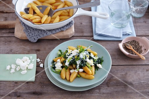 Quick potato orzo pasta with spinach and feta cheese