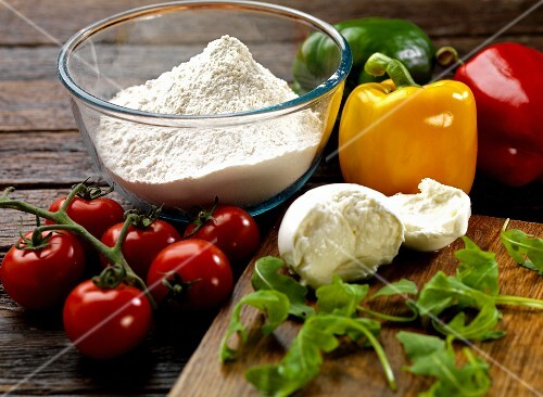 Ingredients for pizza Primavera