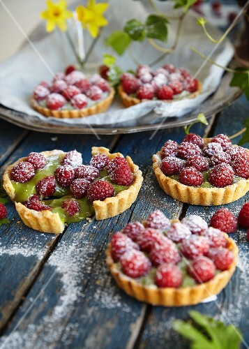 Matcha tartlets with raspberries