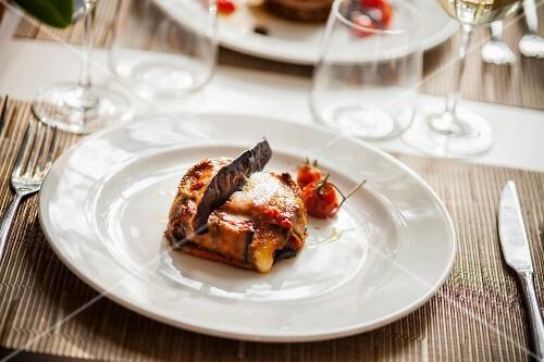Parmigiana di melanzane (aubergine bake, Italy)