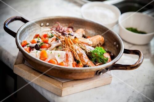 Misto di pesce (fried fish and prawns, Italy)