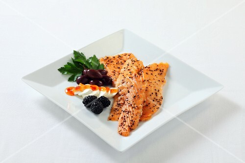 Smoked salmon with pepper