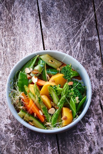 Winter salad with asparagus and broccoli