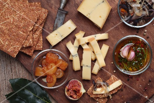 Morbier cheese, crisp bread, pickles and figs