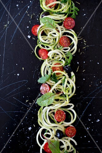 Spiral courgette salad with cherry tomatoes