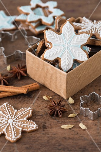 Spiced biscuits decorated with icing a box