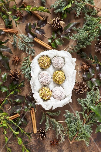 Vanilla truffles with pistachios, coconut and homemade vanilla extract (seen above)