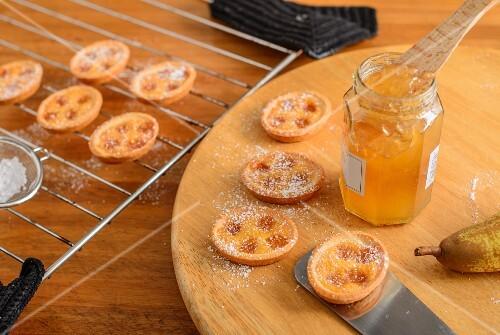 Pear jam tartlets