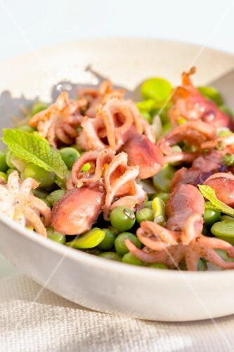 Baby octopus with green peas and fresh mint