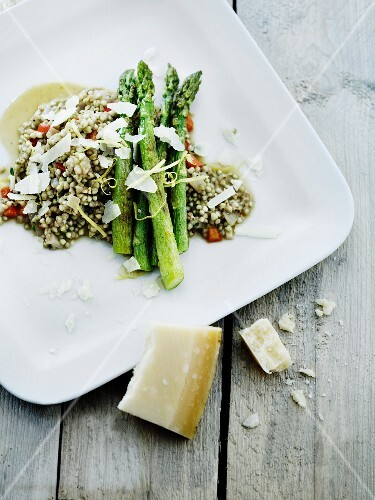Buckwheat risotto with green asparagus and Parmesan cheese