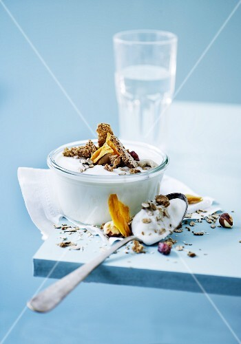 Yoghurt with dried fruits, cereals and wholemeal biscuits