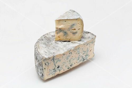 Bleu de Bonneval (blue cheese from Savoy)