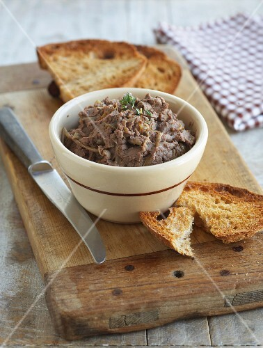 Chicken liver pâté and grilled bread