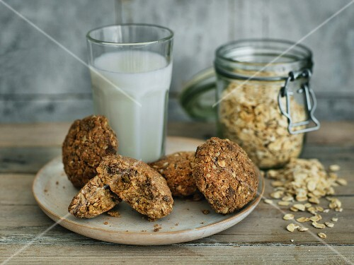 Oat cookies with orange