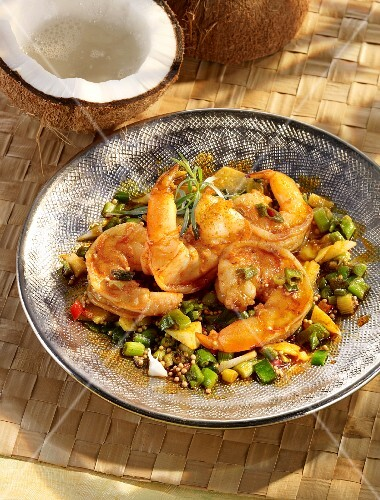 Fried prawns with vegetables and coconut