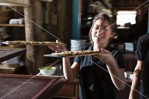 Service at the beach restaurant La Huella, Uruguay