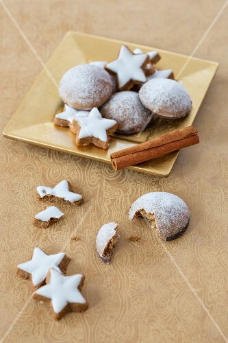 Cinnamon stars and Lebkuchen (spiced soft gingerbread from Germany)