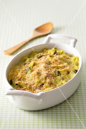 Courgette gratin with a breadcrumb crust