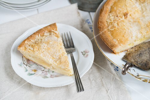 Danish pear cake