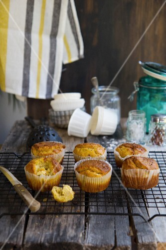 Carrot and feta cheese muffins with quinoa flour