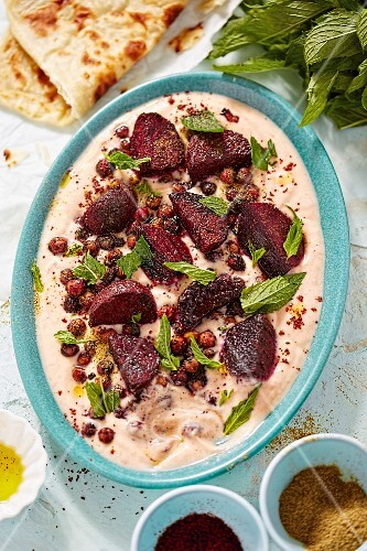 Zatar yoghurt with harissa and beetroot (North Africa)