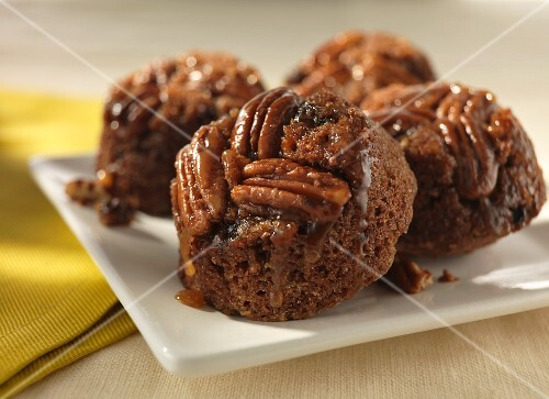 Pecan nut and bran cakes with honey