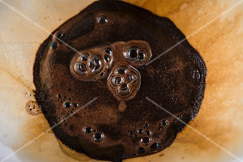 Coffee dregs in a filter (seen from above)