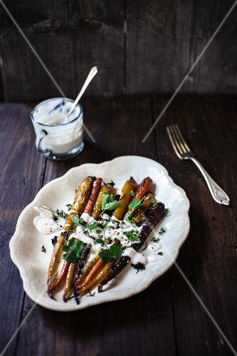 Roasted vegetables with a yoghurt sauce