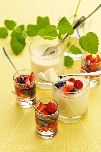 White chocolate cream with marinated berries