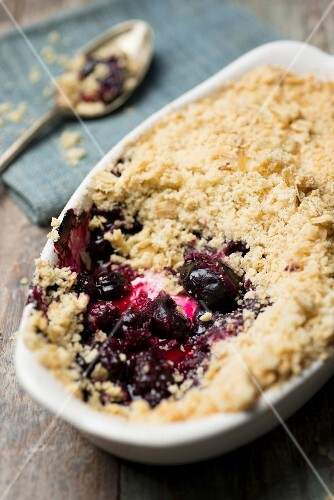 Cherry crumble, sliced
