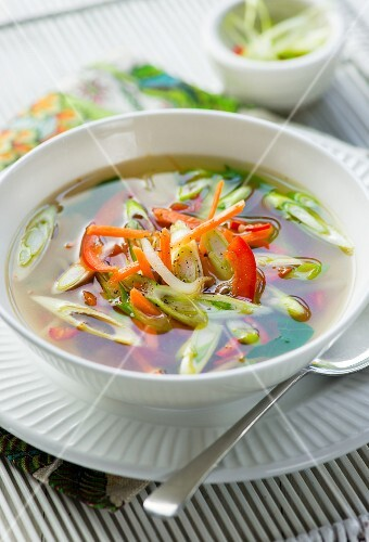 Spicy vegetable soup with spring onions