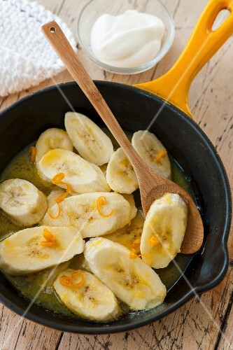 Fried bananas in honey and syrup