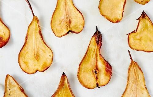 Roasted pear crisps