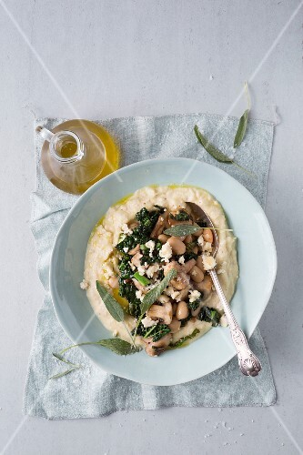 Polenta with kale, beans and mushrooms