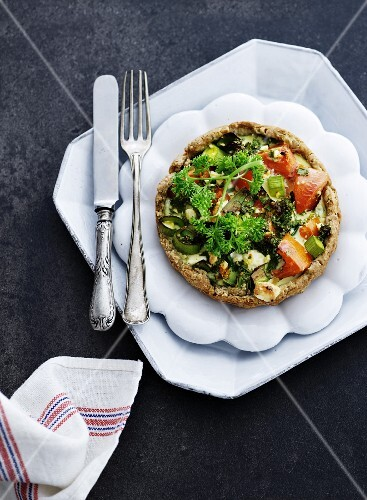 Tomato tartlet with parsley