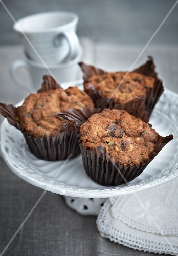 Wholemeal muffins with nuts and chocolate chips