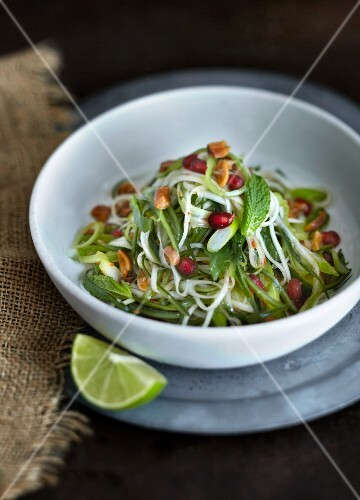Papaya salad with mint and pomegranate seeds