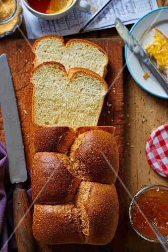 Plaited brioche bread with marmalade