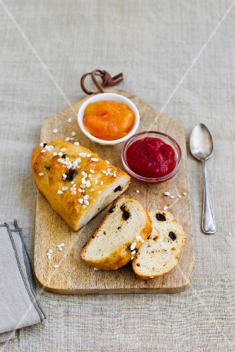 Raisin bread with sugar nibs and jam