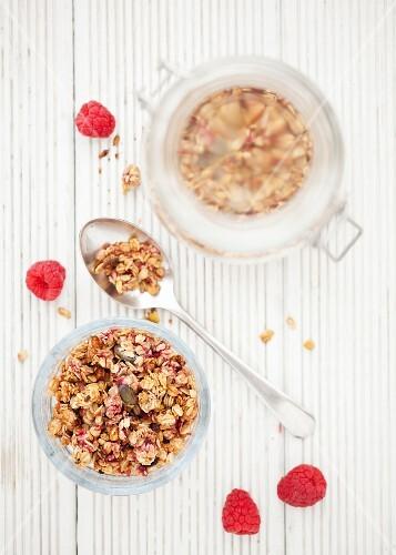 Muesli with raspberries