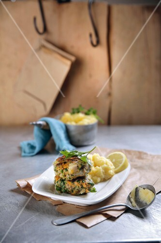 Fish balls with mashed potatoes and turnips