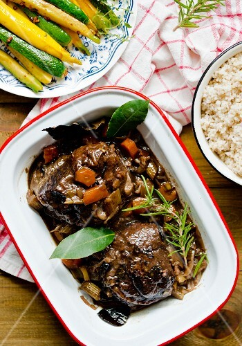 Braised beef cheeks with bay leaves and rosemary