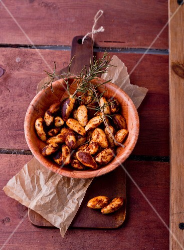 Spiced Brazil nuts with rosemary
