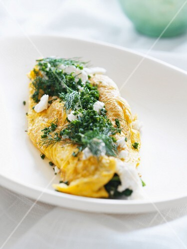 Omelette with chives and dill