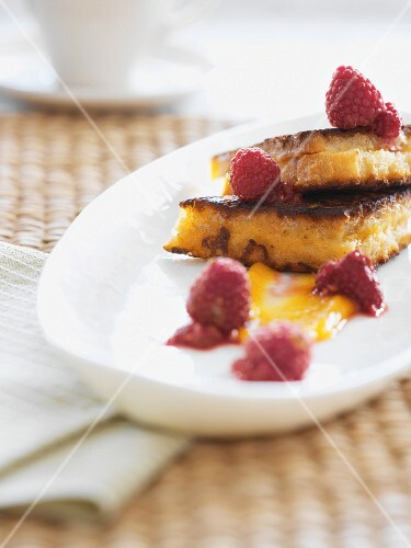 French toast with raspberries and honey
