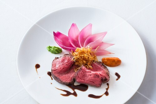 Beef fillet with onions